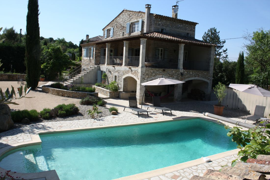 Gîte bevindt zich aan de onderzijde van het huis